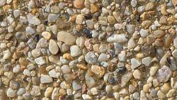 Kamień rzeczny barwiony na żółtofrakcja 1-4